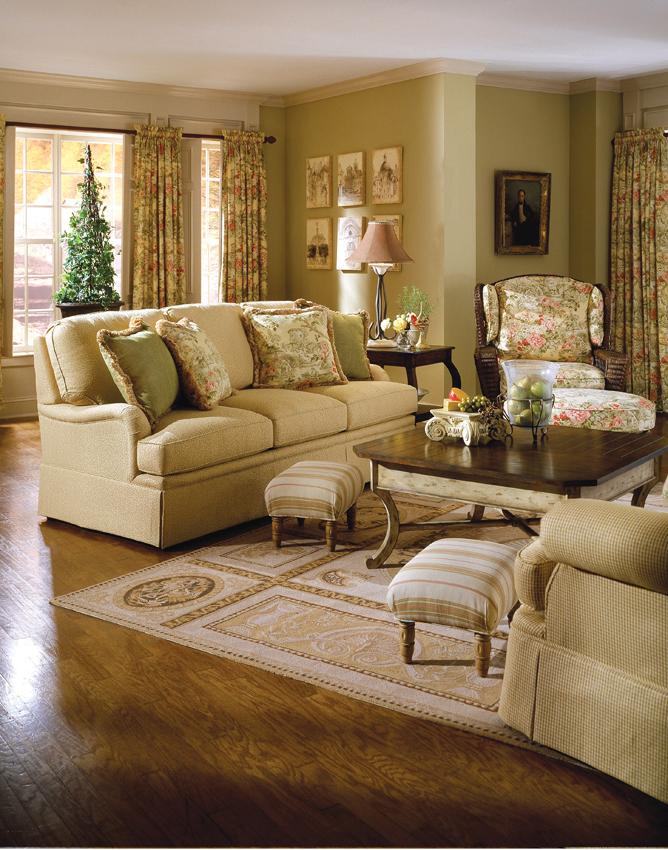 3040 84 Gloucester Sofa