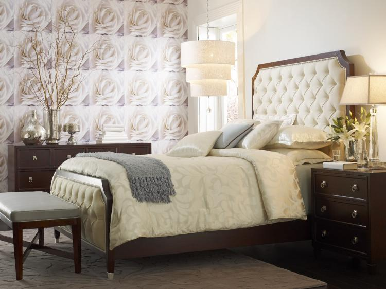 . HH20 135 Temptress Queen Upholstered Bed